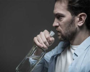 angry-man-drinking-alcohol-in-a-rage